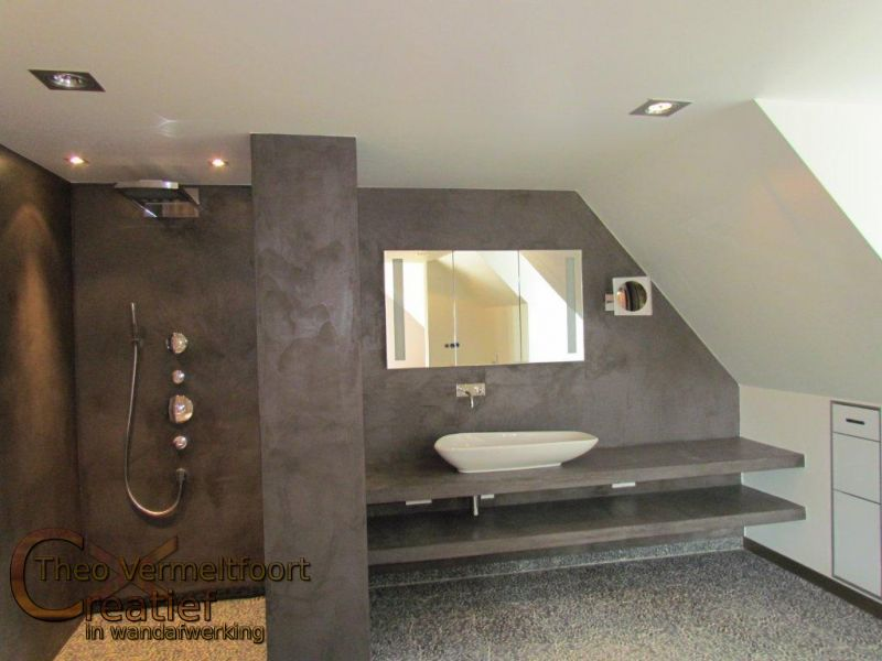 Badkamer en douche in vessem for Badkamer beton cire