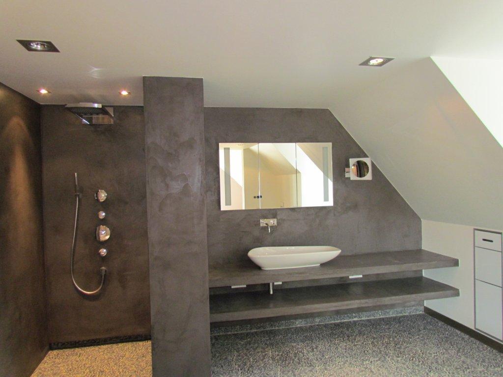 Badkamer en douche in Vessem