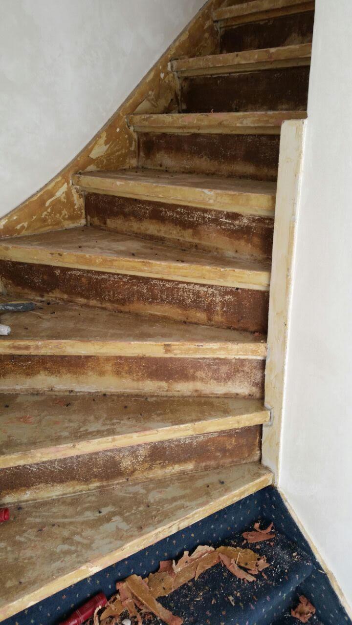 Trap renovatie van hout naar betonlook - Renovatie houten trap ...