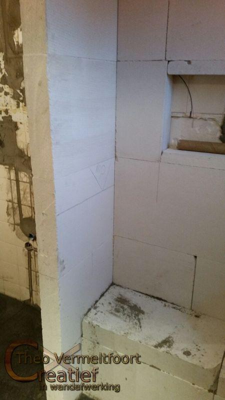 Van witte tegels naar een sfeervolle badkamer - Winkelruimte met een badkamer ...